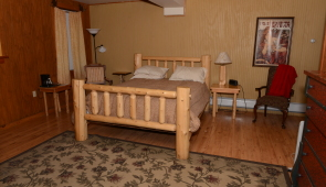 Room #100 Holl's Hollow (Handicap Accessible) $165